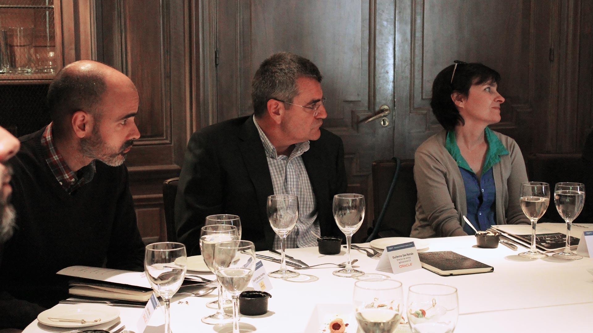 oracle_tpnet_evento_debate_mesa_redonda_informe_herramientas_experiencia_cliente_01