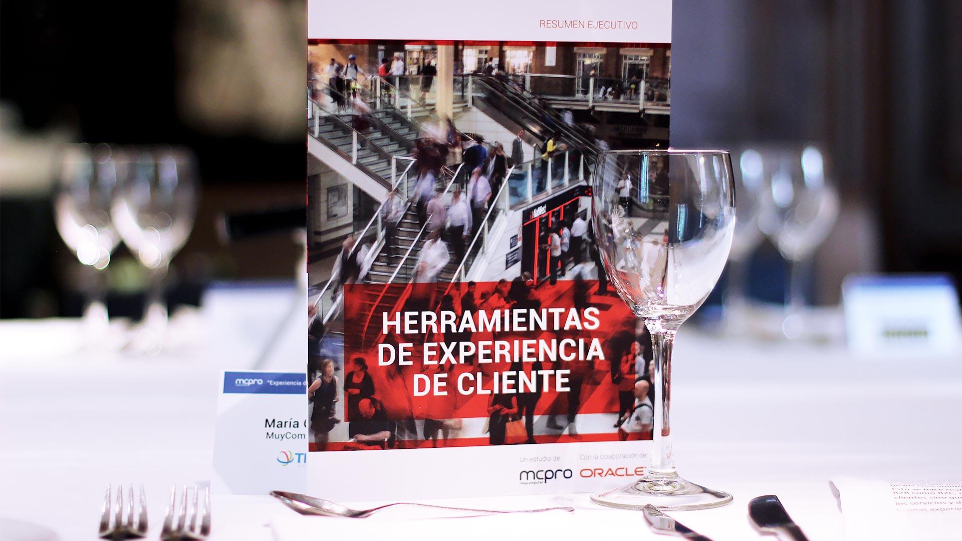 oracle_tpnet_evento_debate_mesa_redonda_informe_herramientas_experiencia_cliente_23