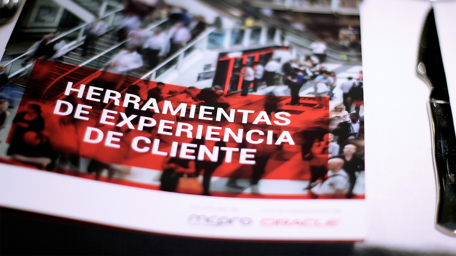 oracle_tpnet_evento_debate_mesa_redonda_informe_herramientas_experiencia_cliente_24