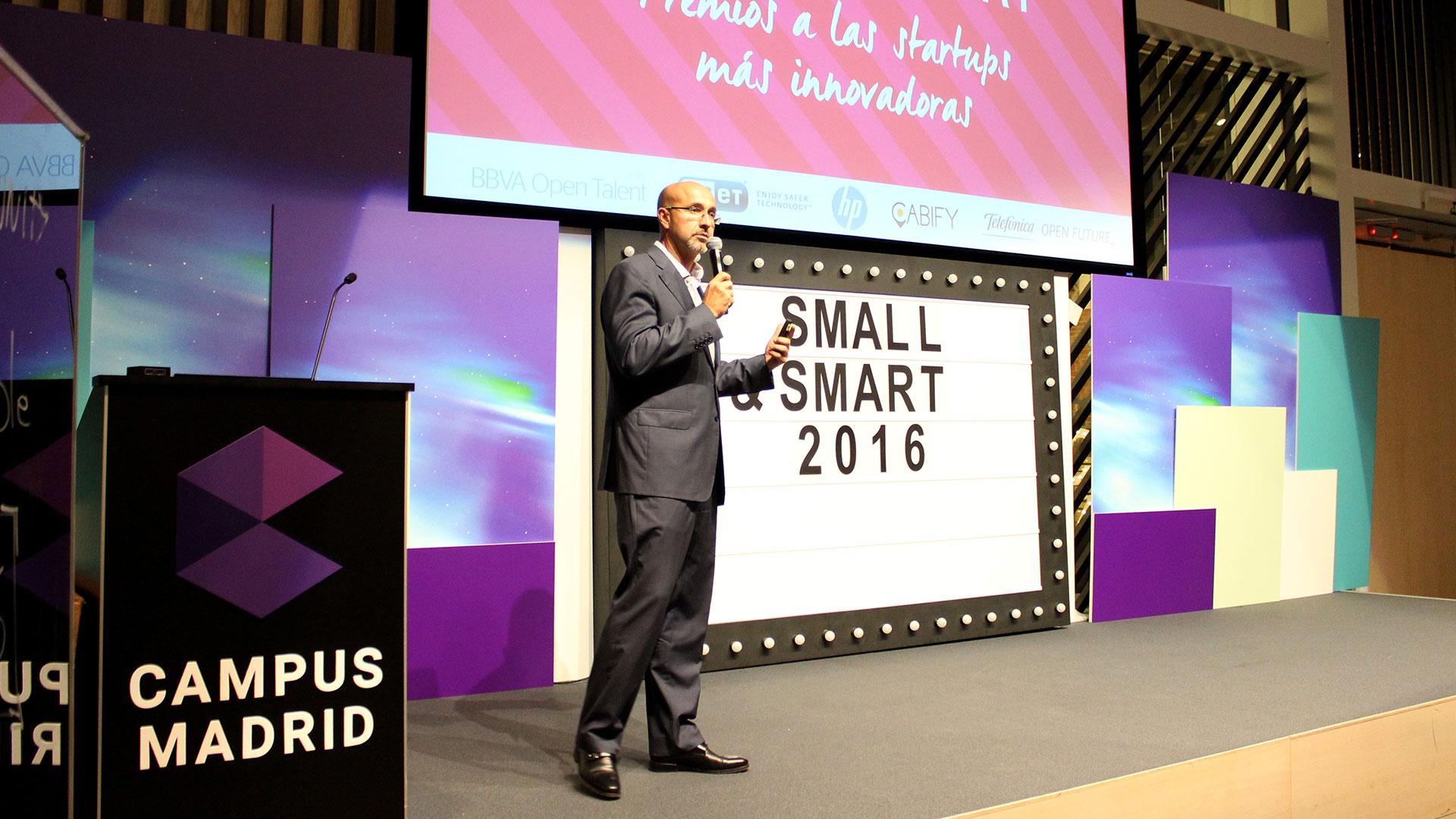 tpnet-small-smart-2016-evento-startups-prersentacion-javier-perez-cortijo-02