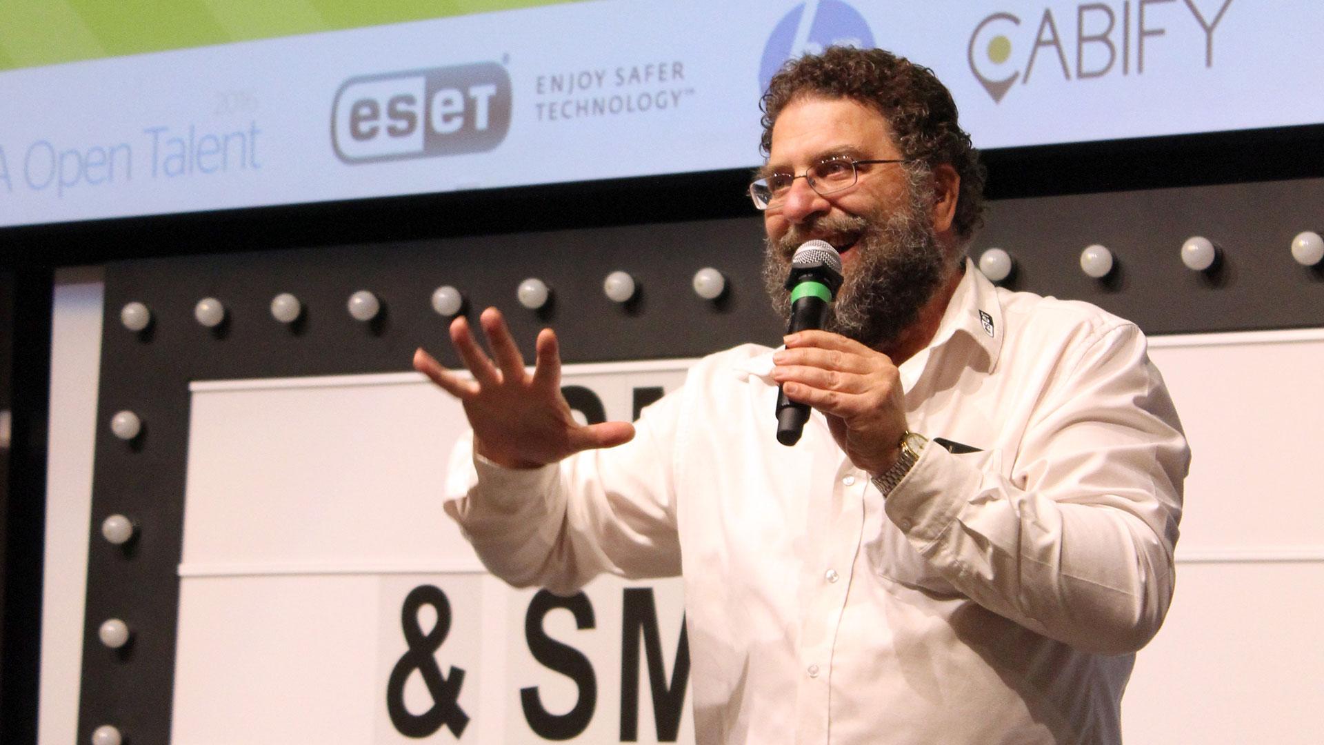 tpnet-small-smart-2016-evento-startups-smarttalks-fernando-delacuadra-eset