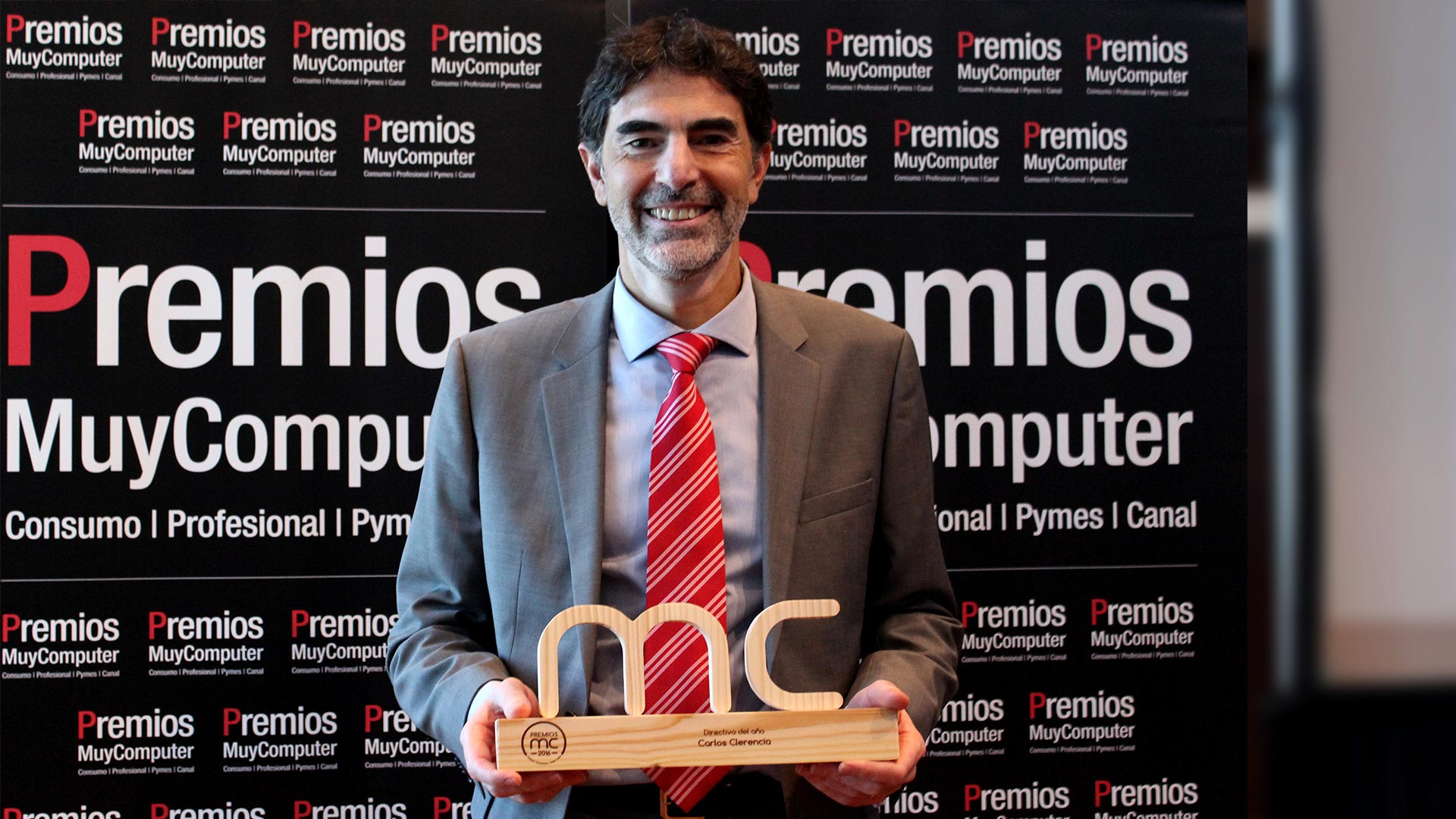 premiosmc2016-directivo-ano-carlos-clerencia